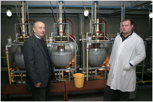 """On the photograph: Mr. Lifshitz – CPO in the """"Electus"""" factory"""